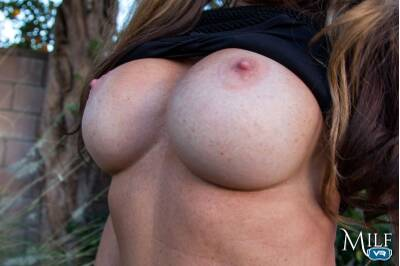 The Biggest Winner - Farrah Dahl - VR Porn - Image 6